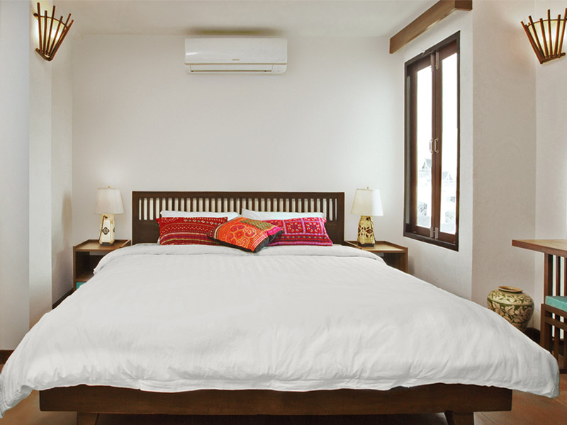 SMALL DOUBLE ROOM • DOUBLE BED