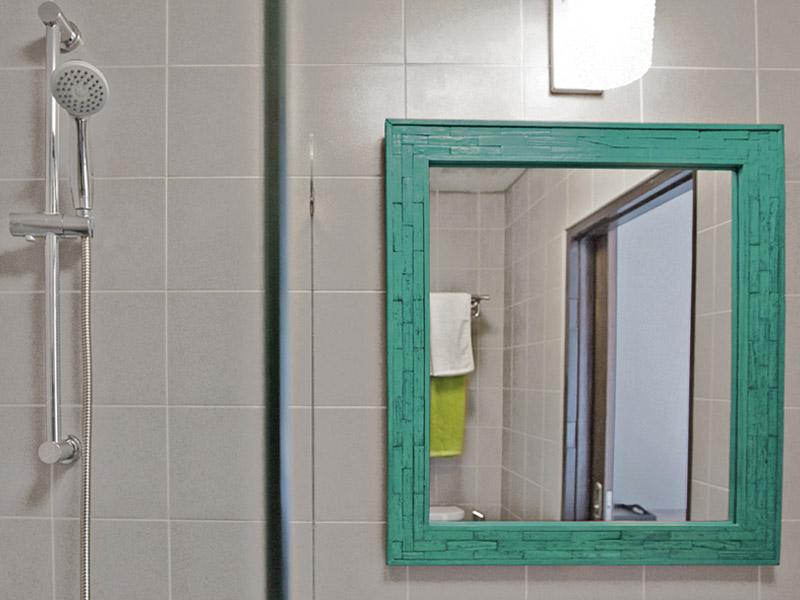 SMALL DOUBLE ROOM • BATHROOM