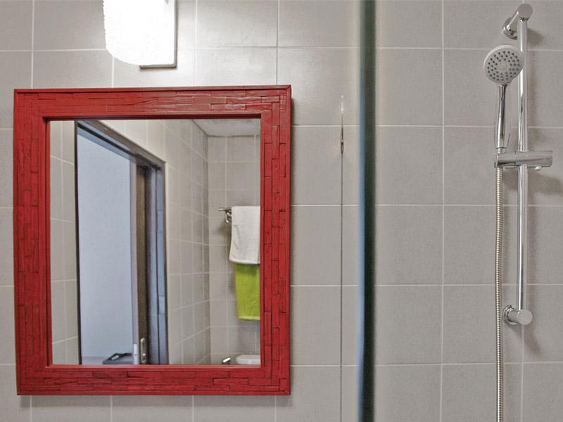 STANDARD TWIN ROOM • BATHROOM